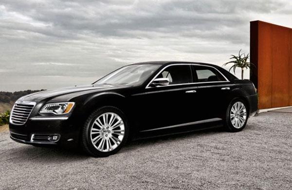 2013 chrysler 200 convertible named best full size. Black Bedroom Furniture Sets. Home Design Ideas