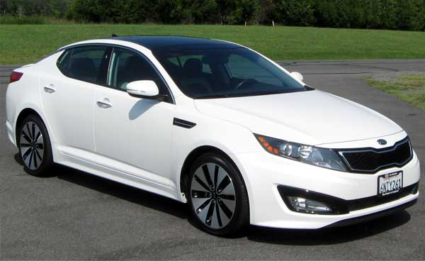 2011_Kia_Optima_SX