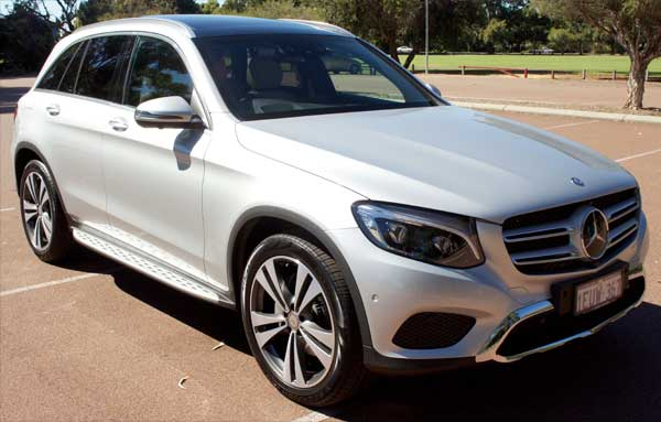 2015_Mercedes-Benz_GLC