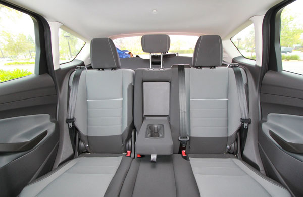 2013-Ford-C-Max-Hybrid.-inside