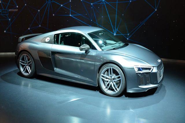 Audi-R8-V10