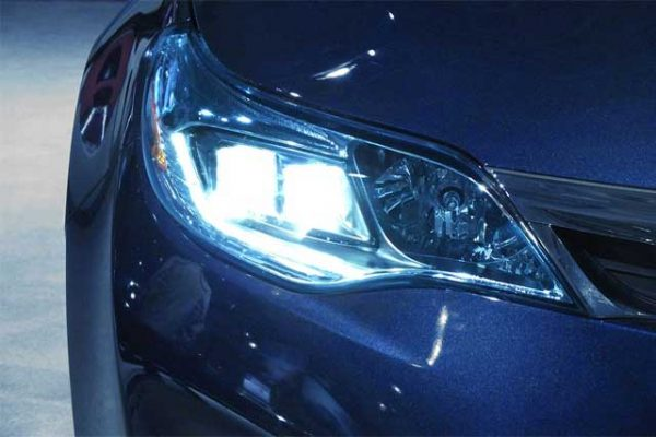 Pros-And-Cons-Of-Aftermarket-HID-Lights