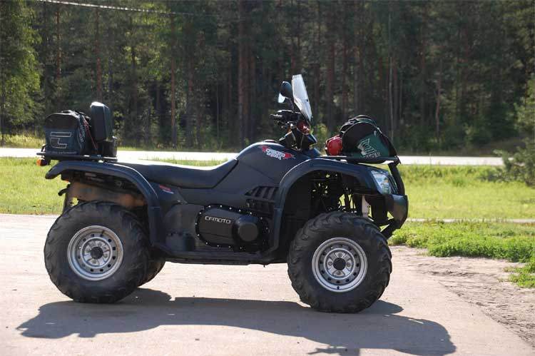 staying-safe-driving-quad